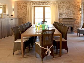 Des tables XXL pour réunir famille et amis