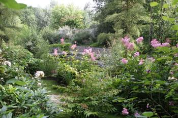 Le jardin des Faïenciers de Sarreguemines: un jardin tout en romantisme