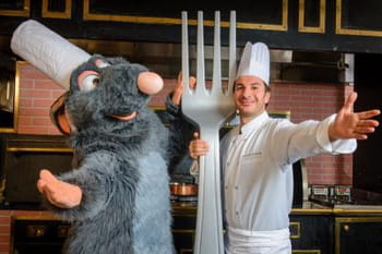 Ratatouille, l'attraction : les stars sourient