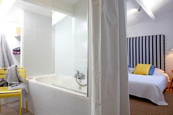 Tendance : la salle de bains ouverte sur la chambre