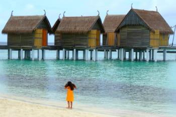 Visite du Constance hôtel resort Moofushi aux Maldives, entre luxe et simplicité