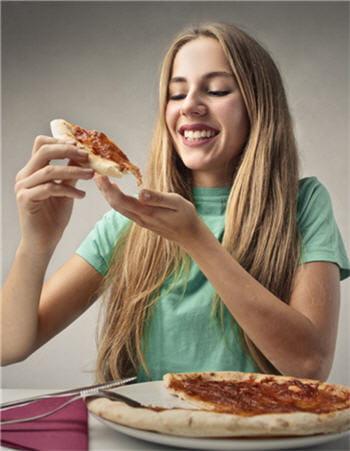 p te pizza feuillet e bris e ou sabl e traquez les graisses cach es journal des femmes. Black Bedroom Furniture Sets. Home Design Ideas