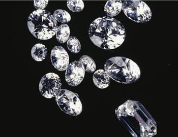 Etincelantes pierres précieuses