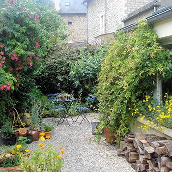 10 exemples pour r ussir son jardin de ville journal des. Black Bedroom Furniture Sets. Home Design Ideas