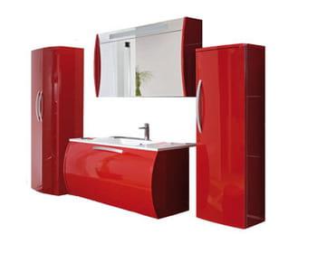 Une salle de bains colorée