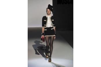 Moschino joue avec la mode