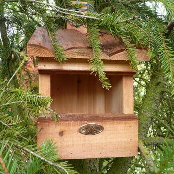 un nichoir pour les oiseaux l 39 art de la r cup 39 au jardin journal des femmes. Black Bedroom Furniture Sets. Home Design Ideas