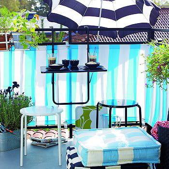 sur le balcon des salons de jardin pour profiter des. Black Bedroom Furniture Sets. Home Design Ideas
