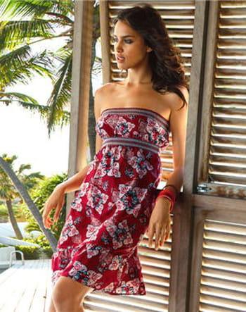 Des petites robes pour être chic même à la plage !