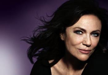 """Jacqueline Bisset (actrice, égérie Avon):""""Lorsqu'on est bien dans sa tête, le visage et le corps s'en ressentent"""""""