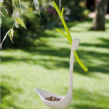 un cadeau pour les petits oiseaux des id es de cadeaux de no l pour jardiniers journal des. Black Bedroom Furniture Sets. Home Design Ideas