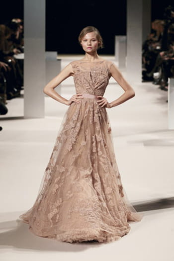 Glamour toujours chez Elie Saab