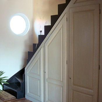 Nouvel espace de rangement am nager son dessous d 39 escalier journal de - Amenager placard sous escalier ...