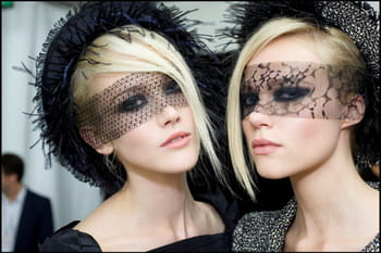 Le look maquillage du d&eacute;fil&eacute; Haute Couture automne-hiver 2011-12 de Chanel