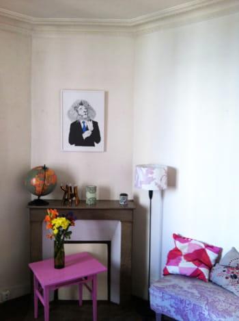 Le relooking color d 39 un salon avec chemin e journal des for Decoration foyer electrique et television