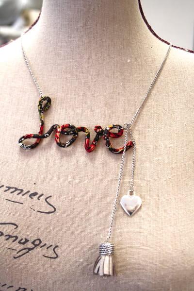 le collier love diy le collier love pour la saint valentin journal des femmes. Black Bedroom Furniture Sets. Home Design Ideas