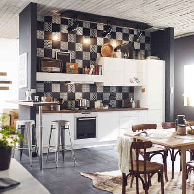 carrelage astuce de leroy merlin cuisine que mettre sur sa cr dence journal des femmes. Black Bedroom Furniture Sets. Home Design Ideas