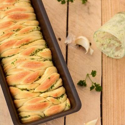 pain brioch au beurre d 39 ail et persil les plus belles. Black Bedroom Furniture Sets. Home Design Ideas