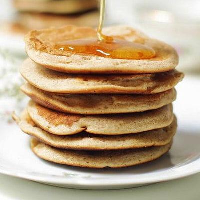 pancakes sans gluten recettes de cr pes sans gluten sans lait sans oeufs journal des femmes. Black Bedroom Furniture Sets. Home Design Ideas