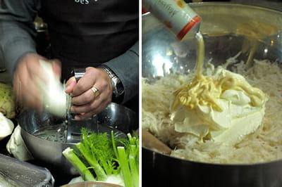 le céleri est râpé au dessus d'un saladier rempli d'eau citronnée pour ne pas