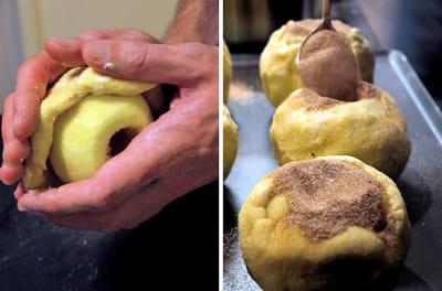 on entour la pomme de pâte brisée avant de la remplir de sucre à la cannelle.