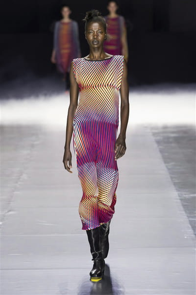 Issey Miyake - Automne-Hiver 2016-2017