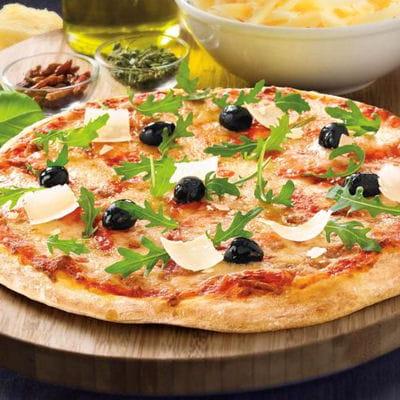 pizza parmesan mozzarella sauce tomate et roquette sur sa p 226 te 224 pizza au levain croustipate