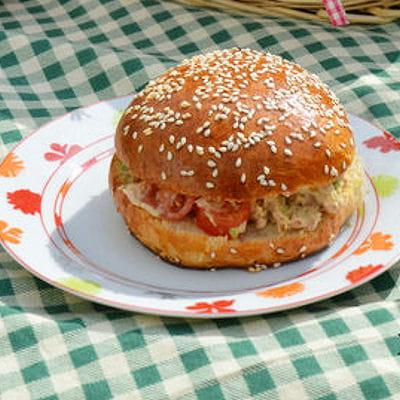 Burger thon avocat tomate 35 recettes pour cuisiner du - Cuisiner du thon en boite ...