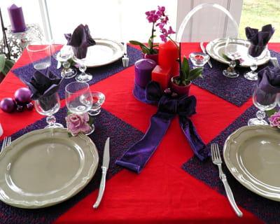 gagnante n 7 rouge et violet 10 d corations de table color es journal des femmes. Black Bedroom Furniture Sets. Home Design Ideas