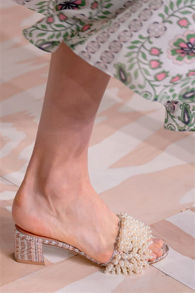 Tory Burch (Close Up) - photo 3