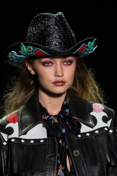 Anna Sui (Close Up) - Printemps-été 2017