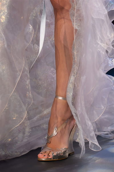 Marchesa (Close Up) - photo 2