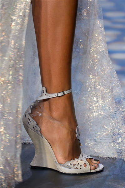 Marchesa (Close Up) - photo 3