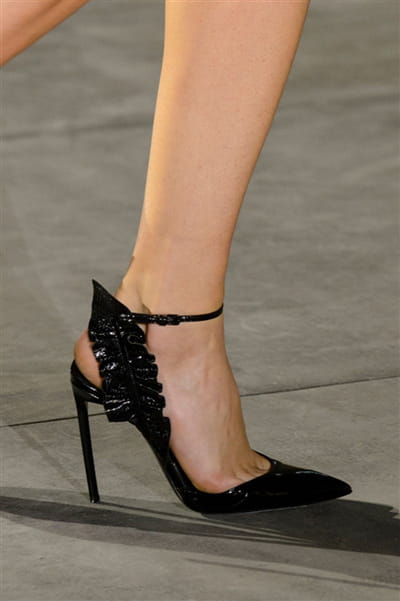 Saint Laurent (Close Up) - photo 2
