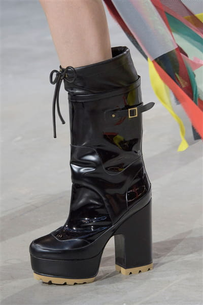 Sacai (Close Up) - photo 2