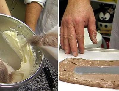 préparation du biscuit cuillère de la bûche.