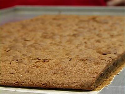 le biscuit cuillère est cuit.