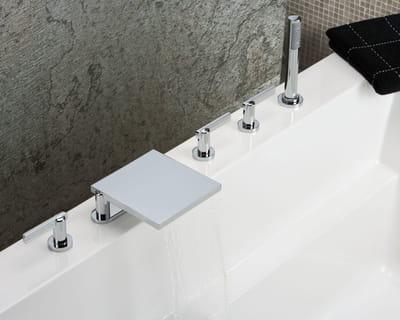 robinetterie le 11 par alberto pinto pour thg un vent nouveau sur la salle de bains journal. Black Bedroom Furniture Sets. Home Design Ideas
