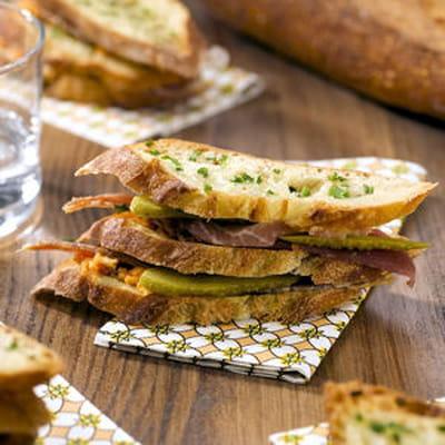 sandwich jambon beurre 60 recettes pour un pique nique gourmand journal des femmes. Black Bedroom Furniture Sets. Home Design Ideas