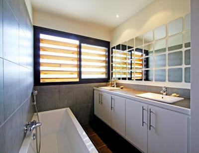 Agrandir sa pi ce relooker sa salle de bains sans se - Miroir agrandir piece ...