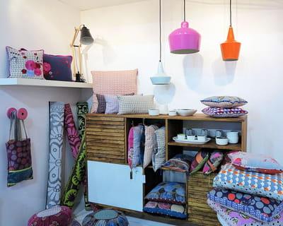 luminaires et coussins baobab maison objet les belles id es d co du salon journal des femmes. Black Bedroom Furniture Sets. Home Design Ideas