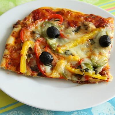 pizza chorizo et poivrons aux 3 couleurs