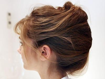 effet coiff d coiff 3 fa ons d 39 attacher vos cheveux avec saint algue journal des femmes. Black Bedroom Furniture Sets. Home Design Ideas
