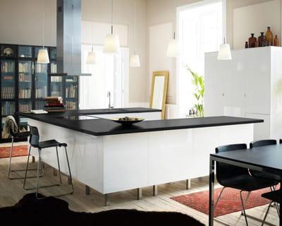 Ilot de cuisine faktum abstrak d 39 ikea l 39 lot trouve sa for Cuisine 400 euros