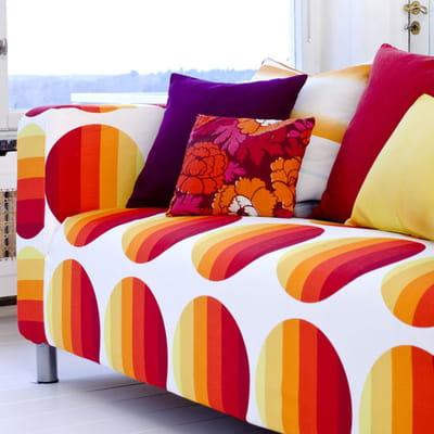 coucher de soleil canap ikea des tissus vintage par. Black Bedroom Furniture Sets. Home Design Ideas