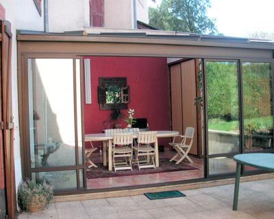 une v randa comme une terrasse couverte 10 v randas de lectrices journal des femmes. Black Bedroom Furniture Sets. Home Design Ideas