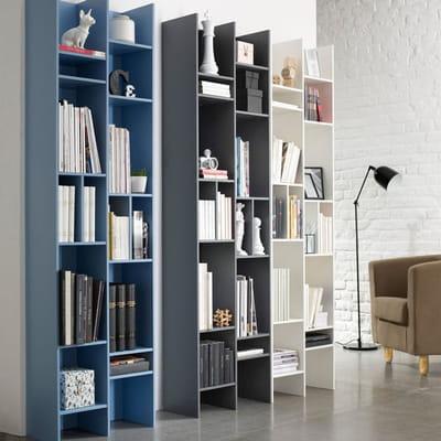 biblioth que tout en hauteur petit espace y 39 a de l 39 astuce dans ces meubles journal des. Black Bedroom Furniture Sets. Home Design Ideas