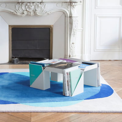 table basse pour les magazines petit espace y 39 a de l 39 astuce dans ces meubles journal des. Black Bedroom Furniture Sets. Home Design Ideas