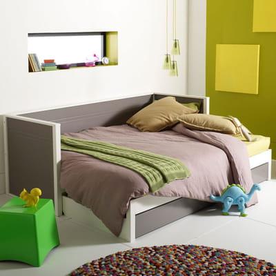 Une banquette transformable en lit des lits ing nieux pour gagner de la pla - Banquette lit une place ...