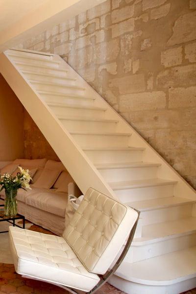 repeindre son escalier tout en blanc 17 id es pour relooker ses escaliers journal des femmes. Black Bedroom Furniture Sets. Home Design Ideas